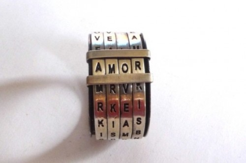 a creative and geeky engagement ring inspired by Scrabble is a cool solution for a geek couple