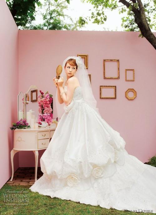 Unusual Wedding Dresses By Uno Et L'etoile