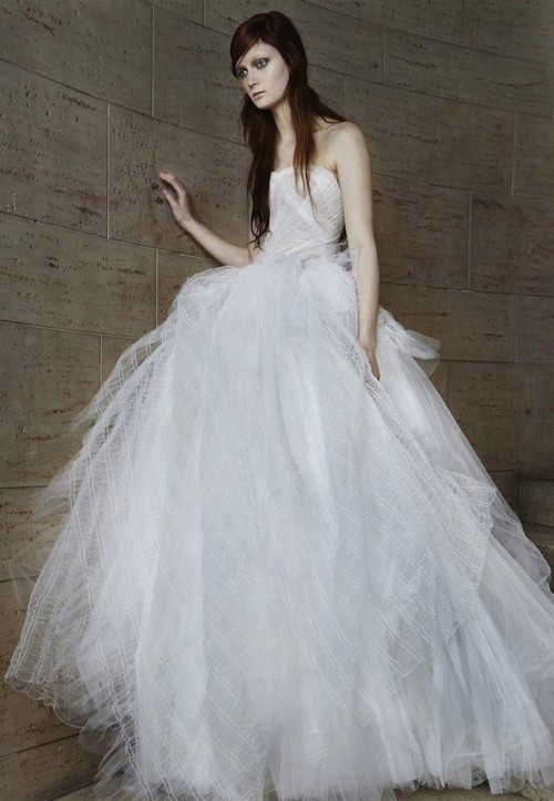 Vera Wang Spring 2015 Wedding Dress Collection - Weddingomania