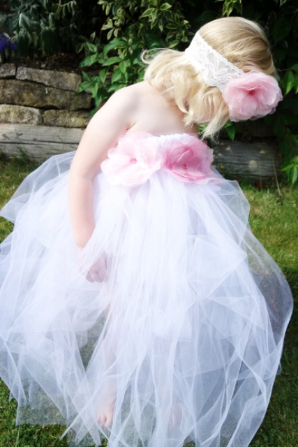 Very Cute DIY Tutu Flower Girl Dress