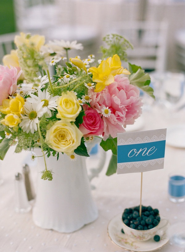 Vivid Summer Wedding Centerpieces