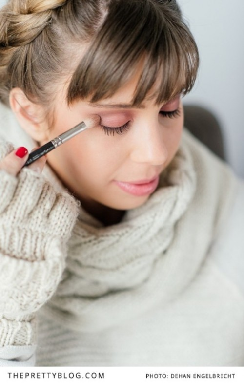 Warm And Glam Diy Shimmering Smokey Eye Makeup For A Bride