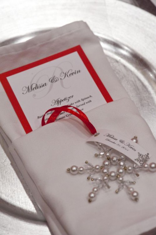 Ways To Use Christmas Ornaments For Your Wedding