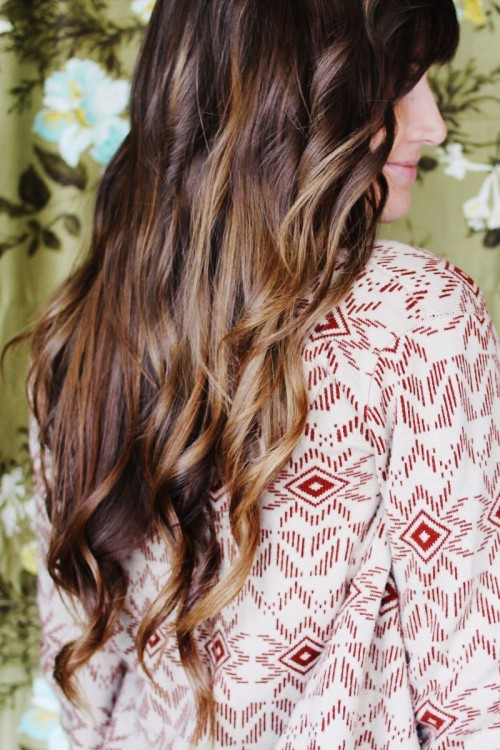 Beachy Waves (via abeautifulmess)