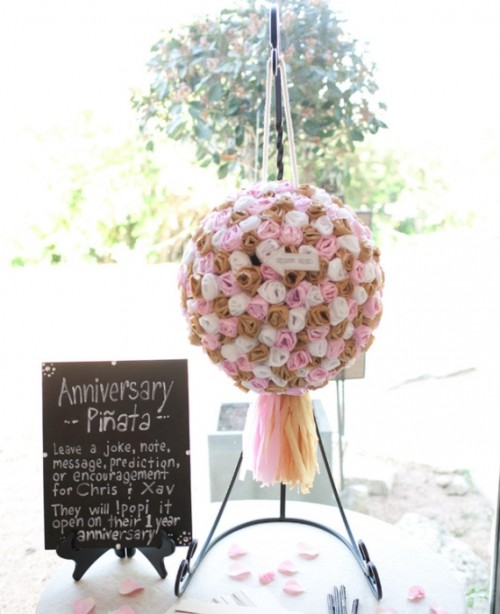 15 Wedding Pinata Guest Books