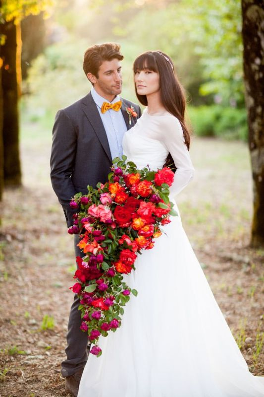 2014 Wedding Trend: 30 Charming Cascade Wedding Bouquets - Weddingomania