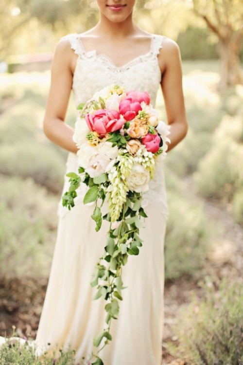 Wedding Cascade Bouquet Ideas : Wedding trend charming cascade bouquets