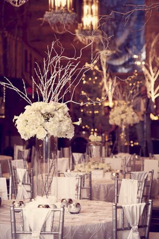 Lovely Winter Wedding Table Decor Ideas