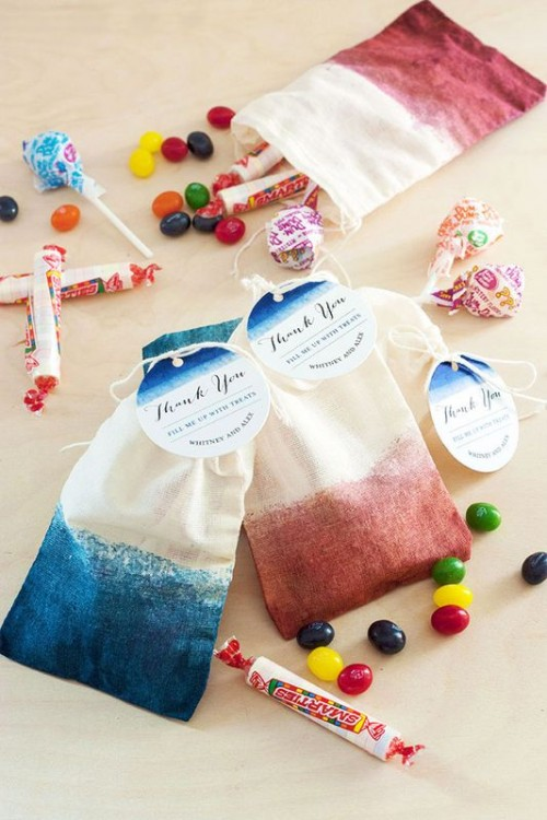 Wonderful DIY Dip-Dyed Treat Or Favor Bags