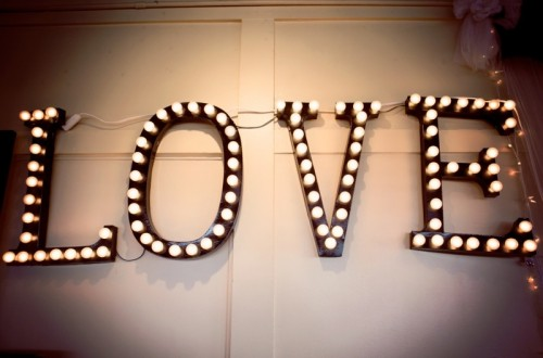 Wonderful DIY Marquee Lights For Wedding Reception Decor