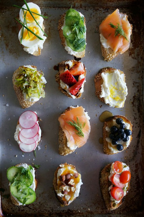 mini sandwiches with various fruits, berries, veggies, eggs and toppings are always a great idea